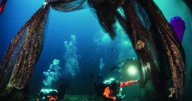 Χαλκιδική: Δύο τόνοι δίχτυα ανασύρθηκαν από το βυθό στο Στρατώνι