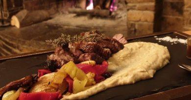 """""""Κουζίνα καραντίνα""""  – Γαστρονομία και εστίαση στην εποχή του κορωνοϊού"""