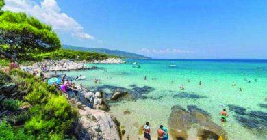 Χαλκιδική: Οι πρώτοι 3 Σέρβοι τουρίστες με κορωνοϊό