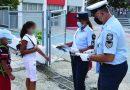 Ενημερωτικά φυλλάδια μοίρασαν αστυνομικοί σε γονείς και μαθητές